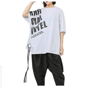 Tops - NWT Oversized White Graphic T Shirt w Grommet